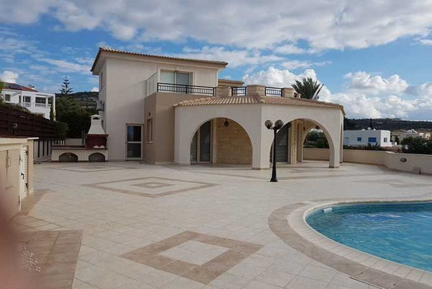 Luxury-villa-for-sale-in-Sea-Caves-with-title-deeds24