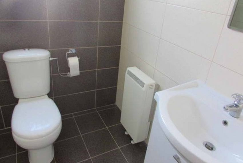 Spacious 2 bed apartment with communal pool Limassol