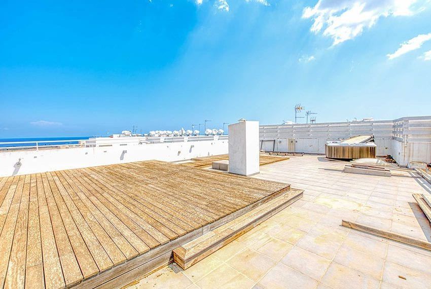Apartment for sale with sea view roof terrace and jacuzzi29