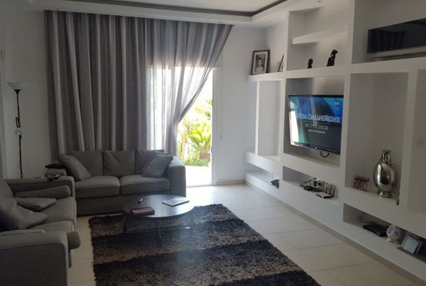 Four bedroom house for sale near the sea02
