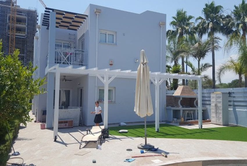 Four bedroom house for sale near the sea17