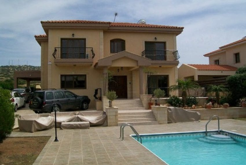 Beautiful 5 bedroom villa in Moutayiaka