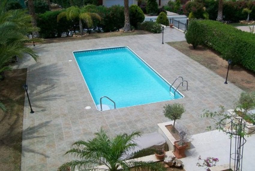 Beautiful 5 bed villa in Moutayiaka06