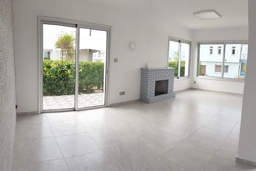 Recently renovated house for sale in Chloraka