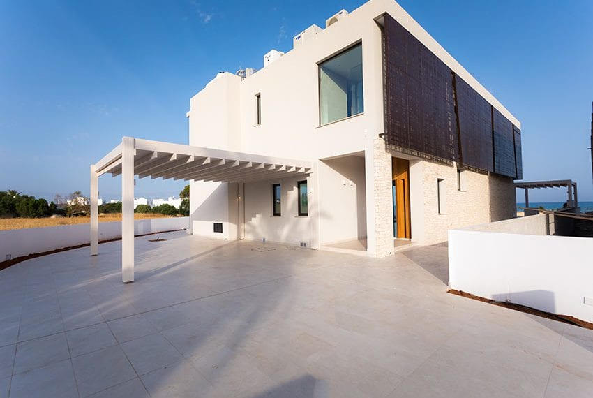 Sea front villas for sale in Ayia Napa Cyprus10