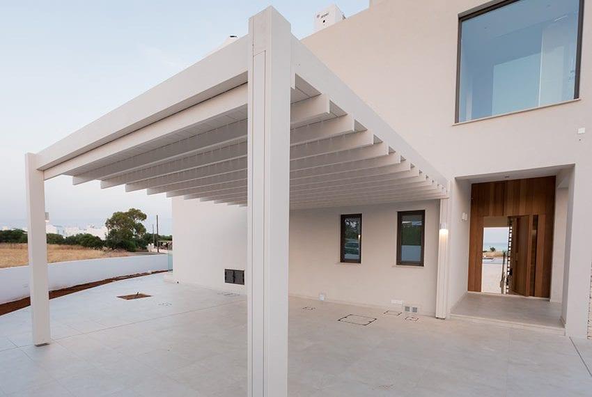 Sea front villas for sale in Ayia Napa Cyprus36