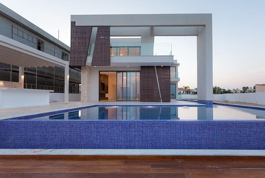 Sea front villas for sale in Ayia Napa Cyprus37