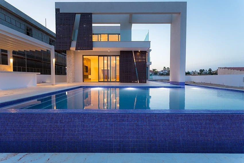 Sea front villas for sale in Ayia Napa Cyprus41
