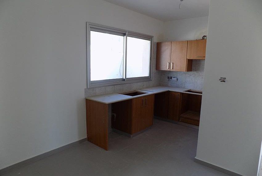 New-villa-for-sale-near-beach-in-Kissonerga08