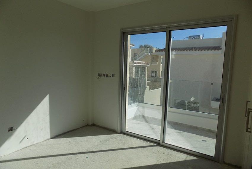New-villa-for-sale-near-beach-in-Kissonerga19