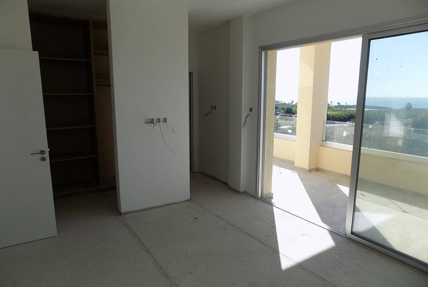 New-villa-for-sale-near-beach-in-Kissonerga22