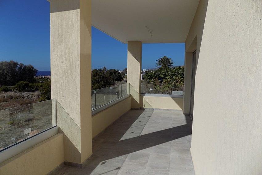 New-villa-for-sale-near-beach-in-Kissonerga25