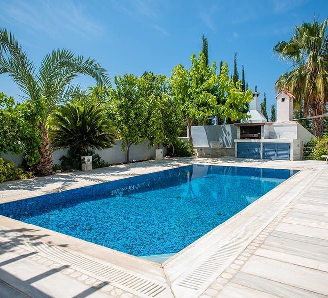 Modern villa for rent in Coral Bay 150m from beach