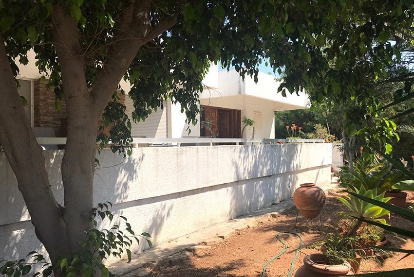 Old traditional house for sale in Germasogeia