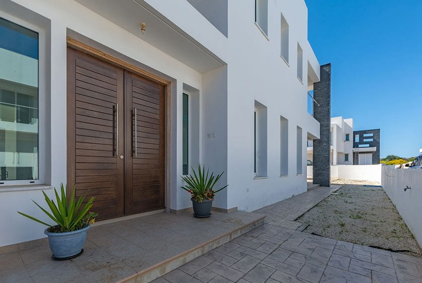 Spacious villas for sale with private pool Protaras