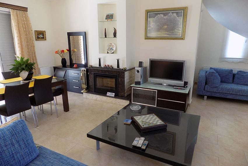 3 bedroom house for rent in tsada