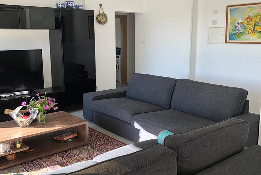 For sale 3 bed furnished apartment Limassol tourist area