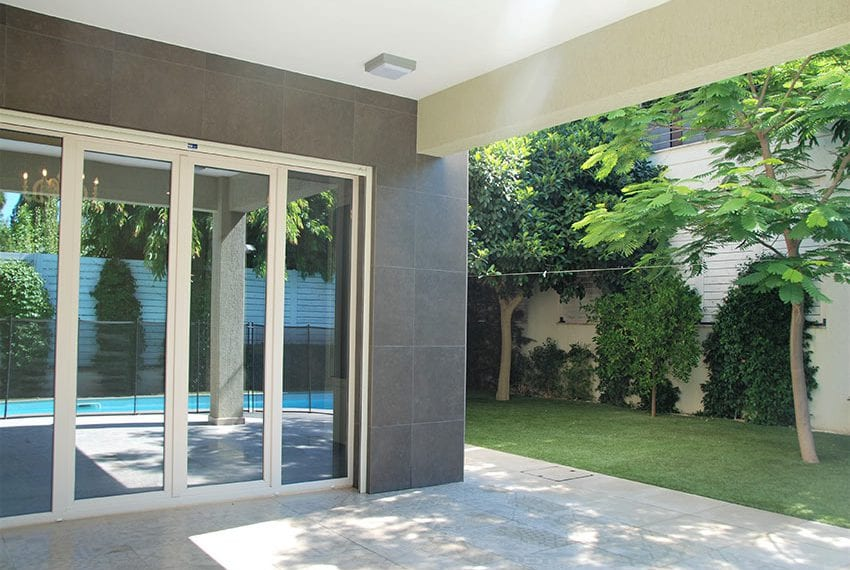 Resale luxury villa near St Rapahel marina in Limassol06