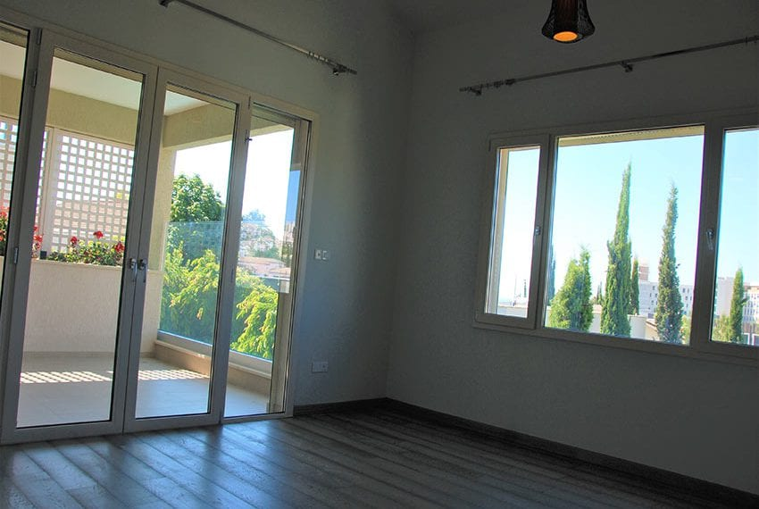 Resale luxury villa near St Rapahel marina in Limassol14