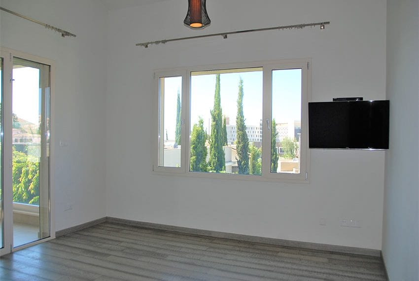Resale luxury villa near St Rapahel marina in Limassol15
