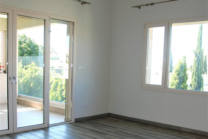 Resale luxury villa near St Rapahel marina in Limassol16
