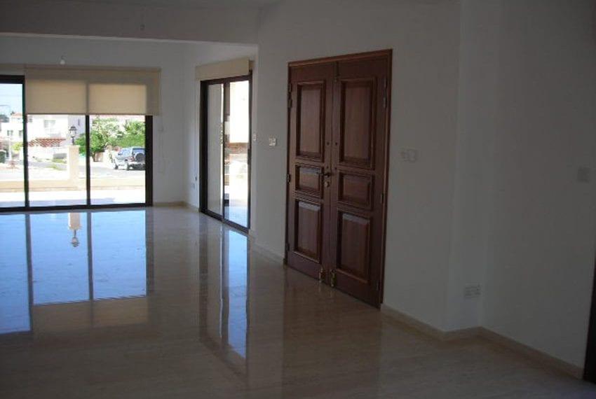 Spacious 4 bedroom villa for sale in Anarita