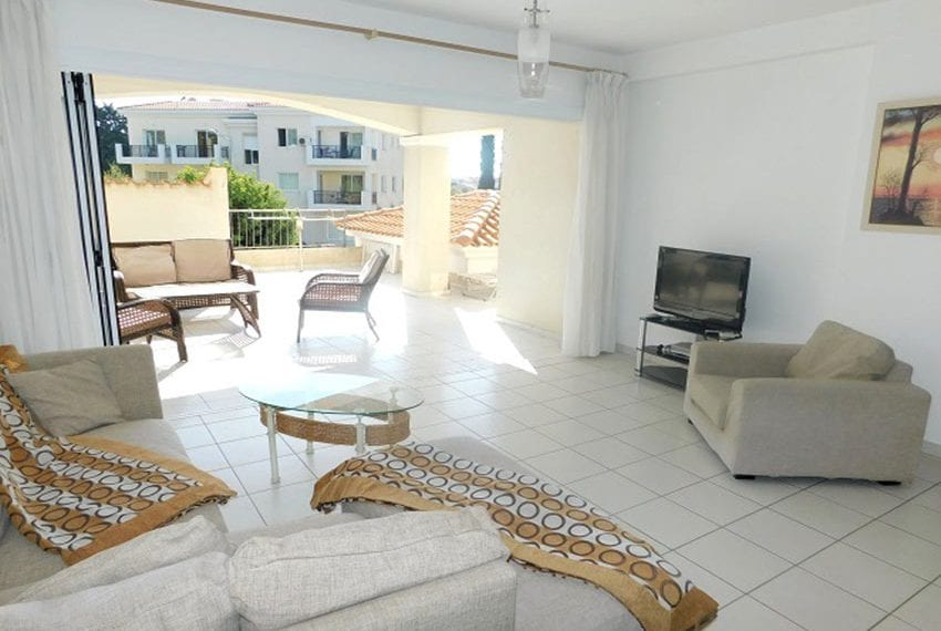 3 bed apartment for sale in Universal Paphos
