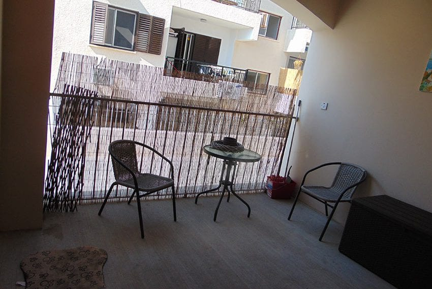 Modern 2 bed apartment for sale near beach Pafos02