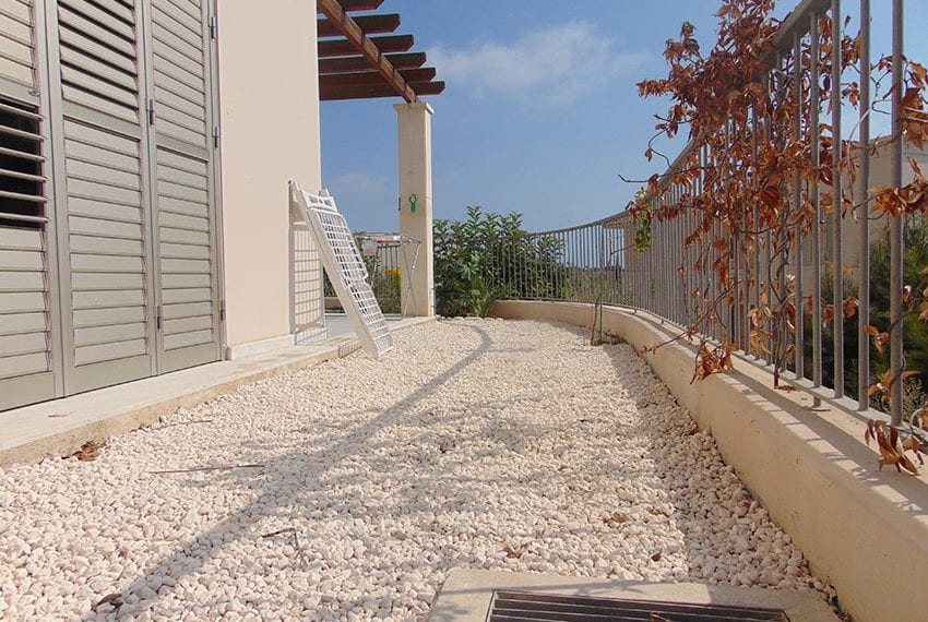 Modern 2 bed apartment for sale near beach Pafos03