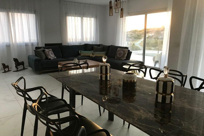 Modern 3 bedroom town house for rent in Tala24