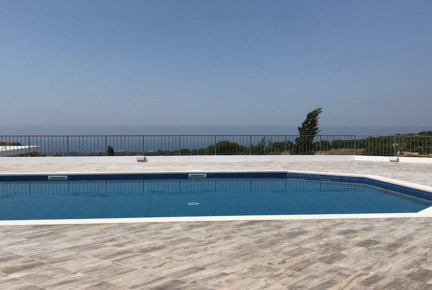 Modern 3 bedroom town house for rent in Tala33