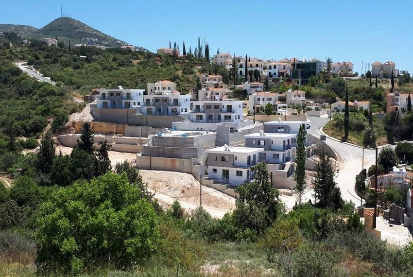Modern 3 bedroom town house for rent in Tala37