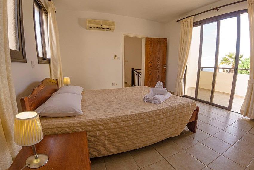 Villa for sale in Kissonerga private pool sea views06