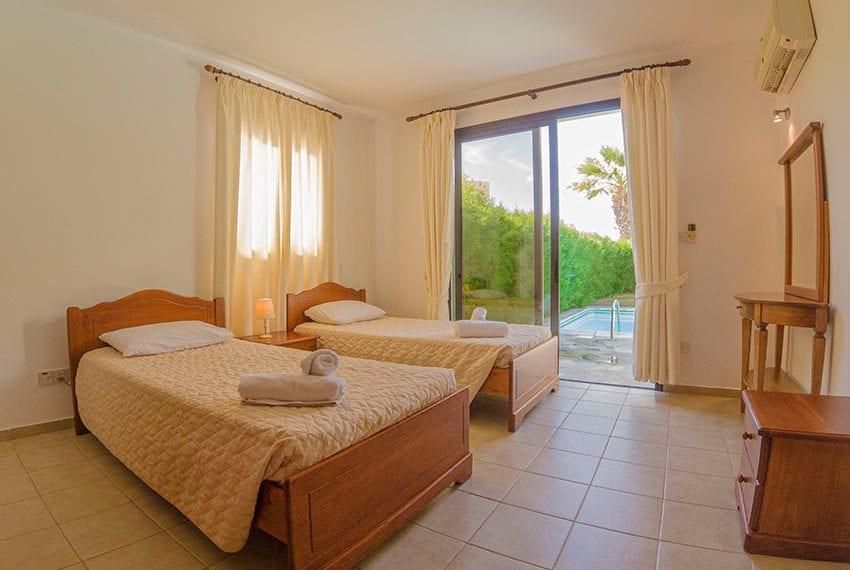 Villa for sale in Kissonerga private pool sea views10