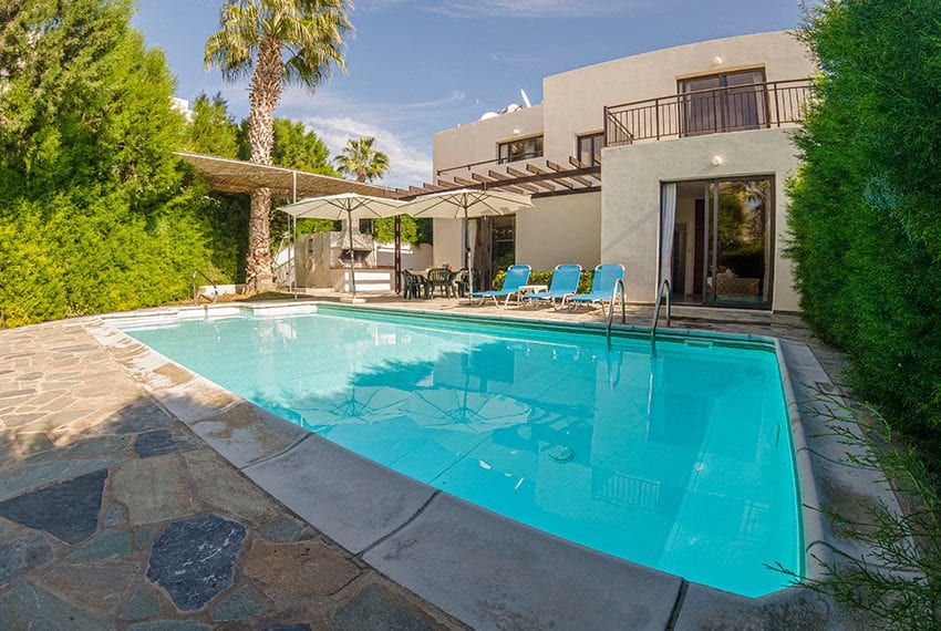 Villa for sale in Kissonerga private pool sea views11