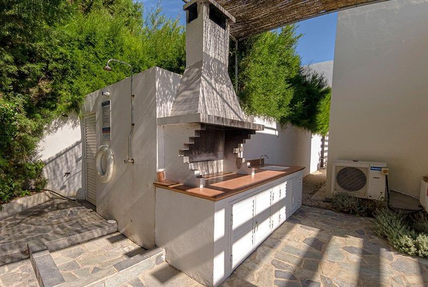 Villa for sale in Kissonerga private pool sea views12