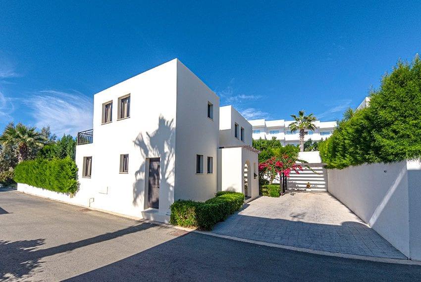 Villa for sale in Kissonerga private pool sea views18