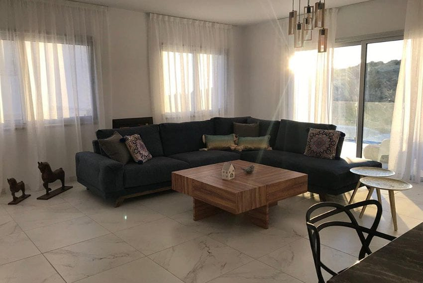 Modern 3 bedroom town house for rent in Tala31