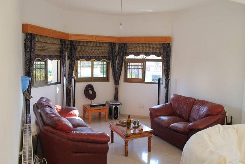 3 bedroom apartment with deeds Pano Pafos