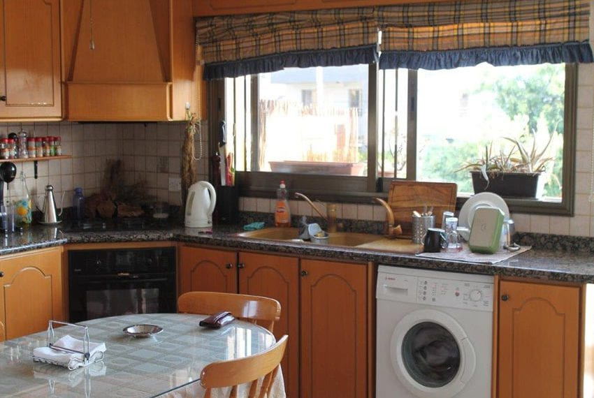 3 bedroom apartment with deeds Pano Pafos01