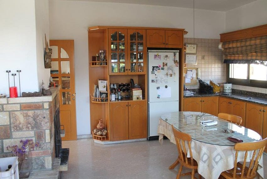 3 bedroom apartment with deeds Pano Pafos02