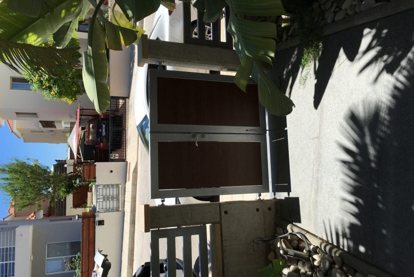 Modern 5 bedroom villa for sale Tala Kamares33