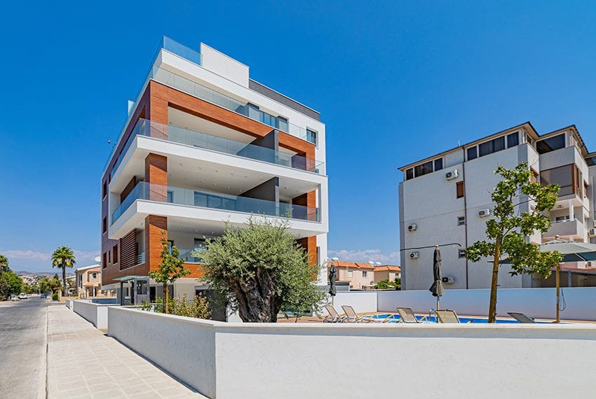 Malibu residences 3 bed apartment for rent Limassol23