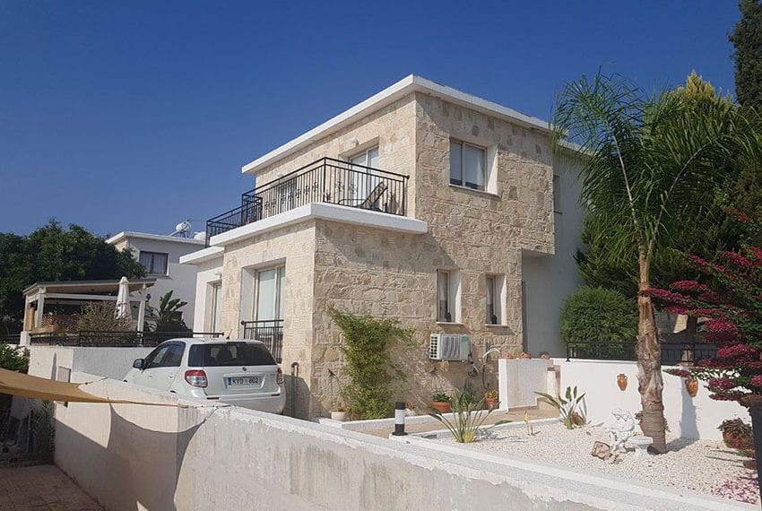 St George villas for rent Tremithousa