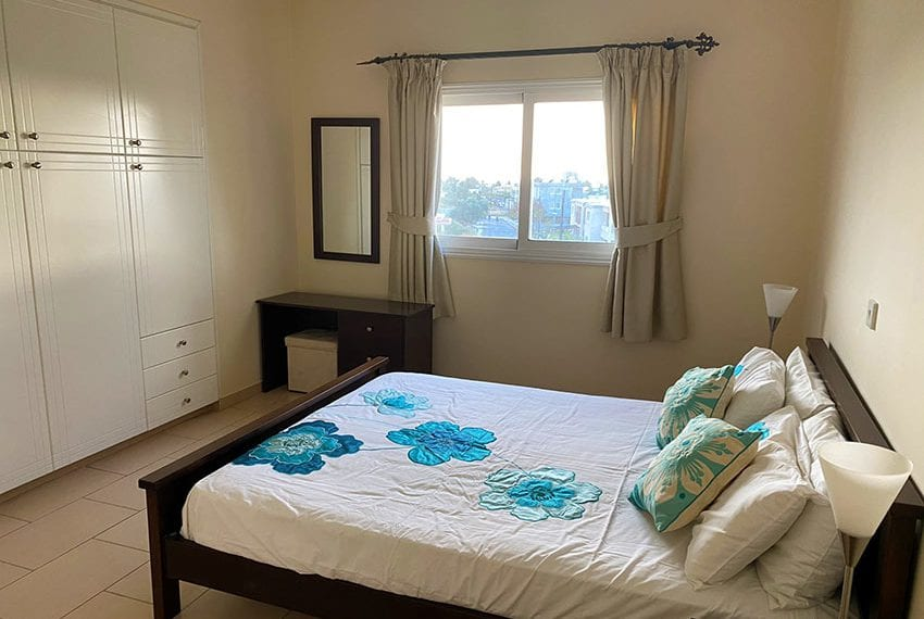 Top floor 2 bedroom apartment for sale Universal02