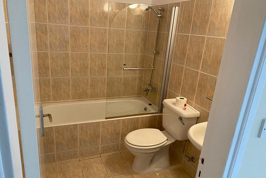 Top floor 2 bedroom apartment for sale Universal03