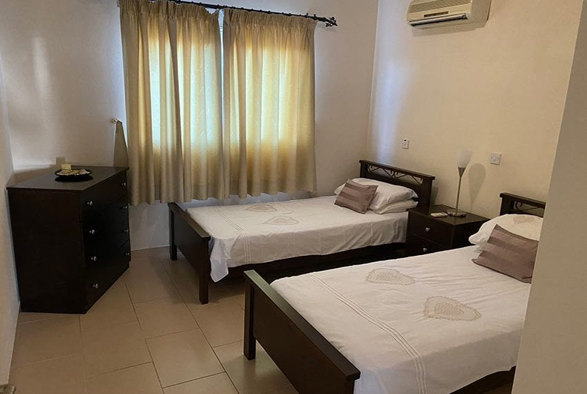 Top floor 2 bedroom apartment for sale Universal04