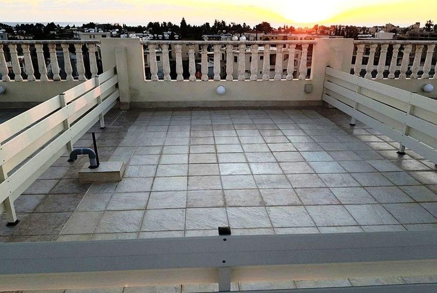 Top floor 2 bedroom apartment for sale Universal09