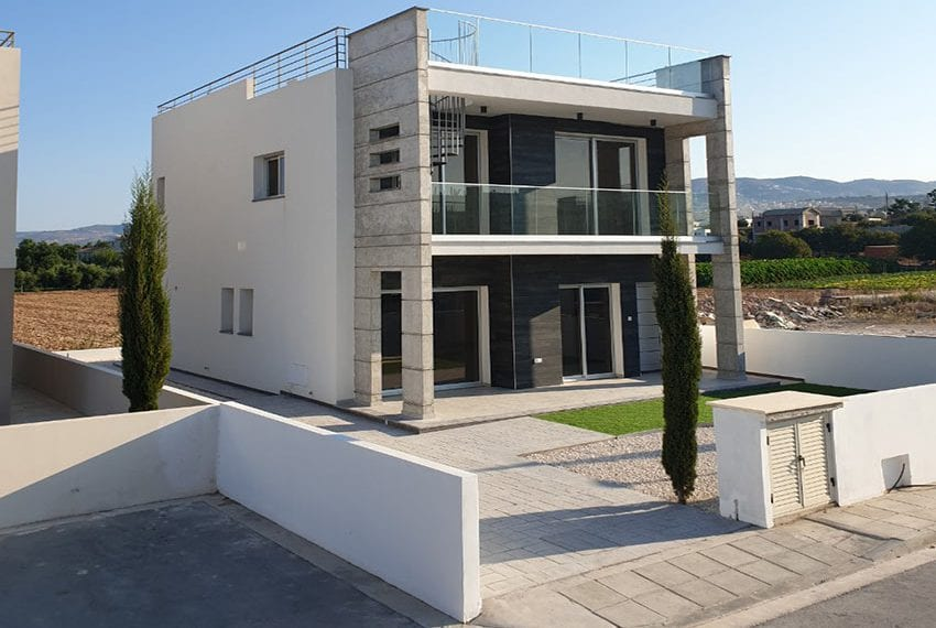 Modern villas for sale in Chloraka Pafos04