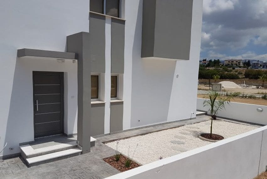 Modern villas for sale in Chloraka Pafos15